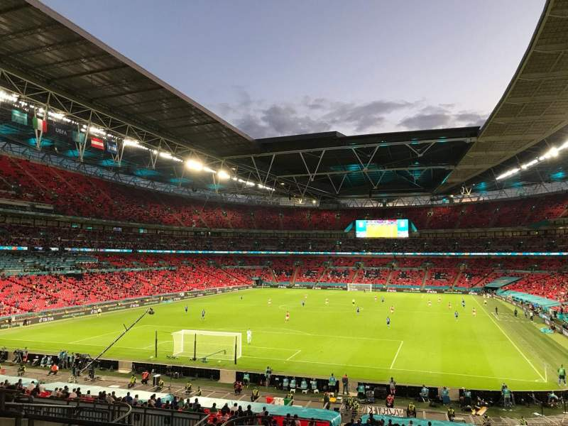 Vista sentada para Wembley Stadium Secção 110 Fila 41 Lugar 219