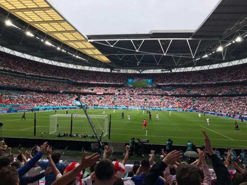 Vista sentada para Wembley Stadium Secção 133 Fila 14 Lugar 299