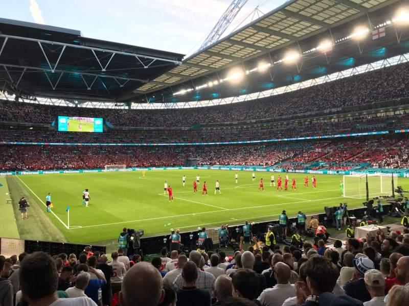 Vista sentada para Wembley Stadium Secção 115 Fila 16 Lugar 93