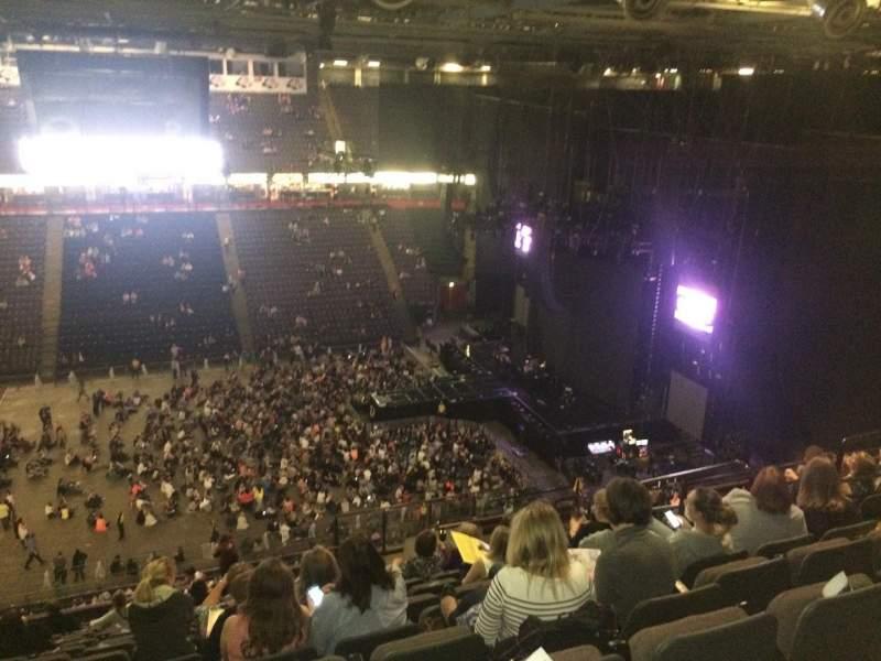 Vista sentada para Manchester Arena Secção 214 Fila R Lugar 12