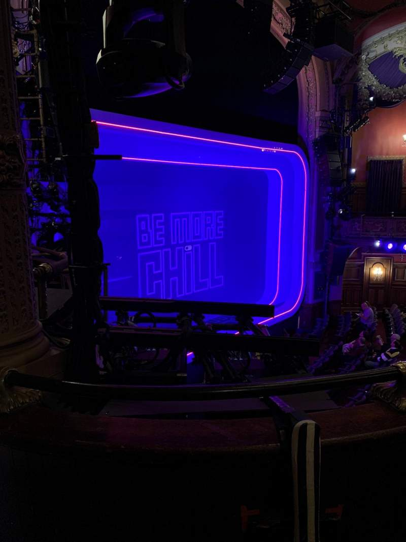 Vista sentada para Lyceum Theatre (Broadway) Secção Mezzanine L Fila B Lugar 23