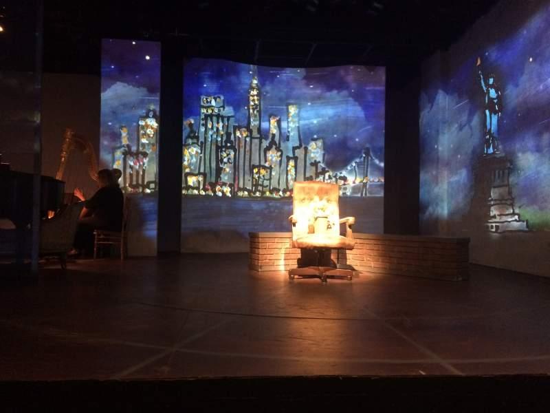 Vista sentada para The Irish Repertory Theater Secção Orchestra Fila B Lugar 4