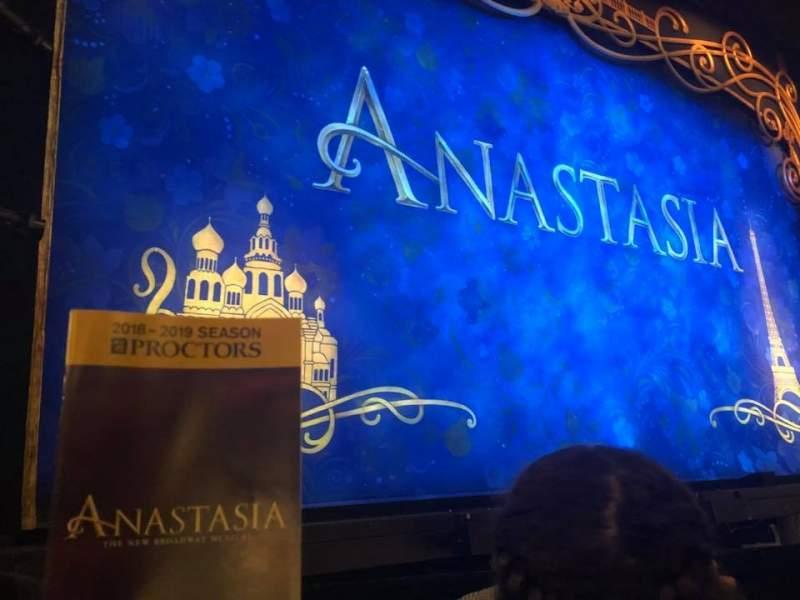 Vista sentada para Proctor's Theatre Secção Orchestra L Fila 2