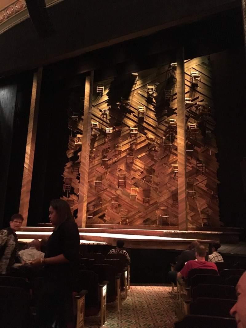 Vista sentada para Bernard B. Jacobs Theatre Secção Orchestra R Fila I Lugar 4