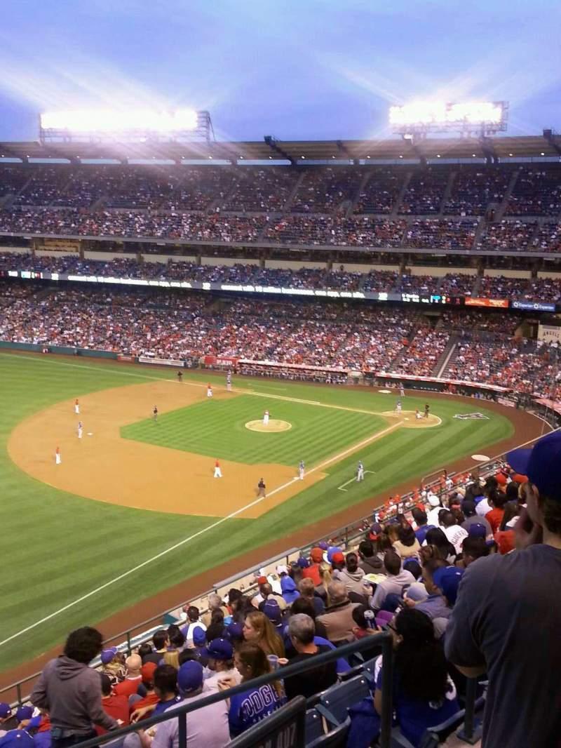 Vista sentada para Angel Stadium Secção 508 Fila A Lugar 18