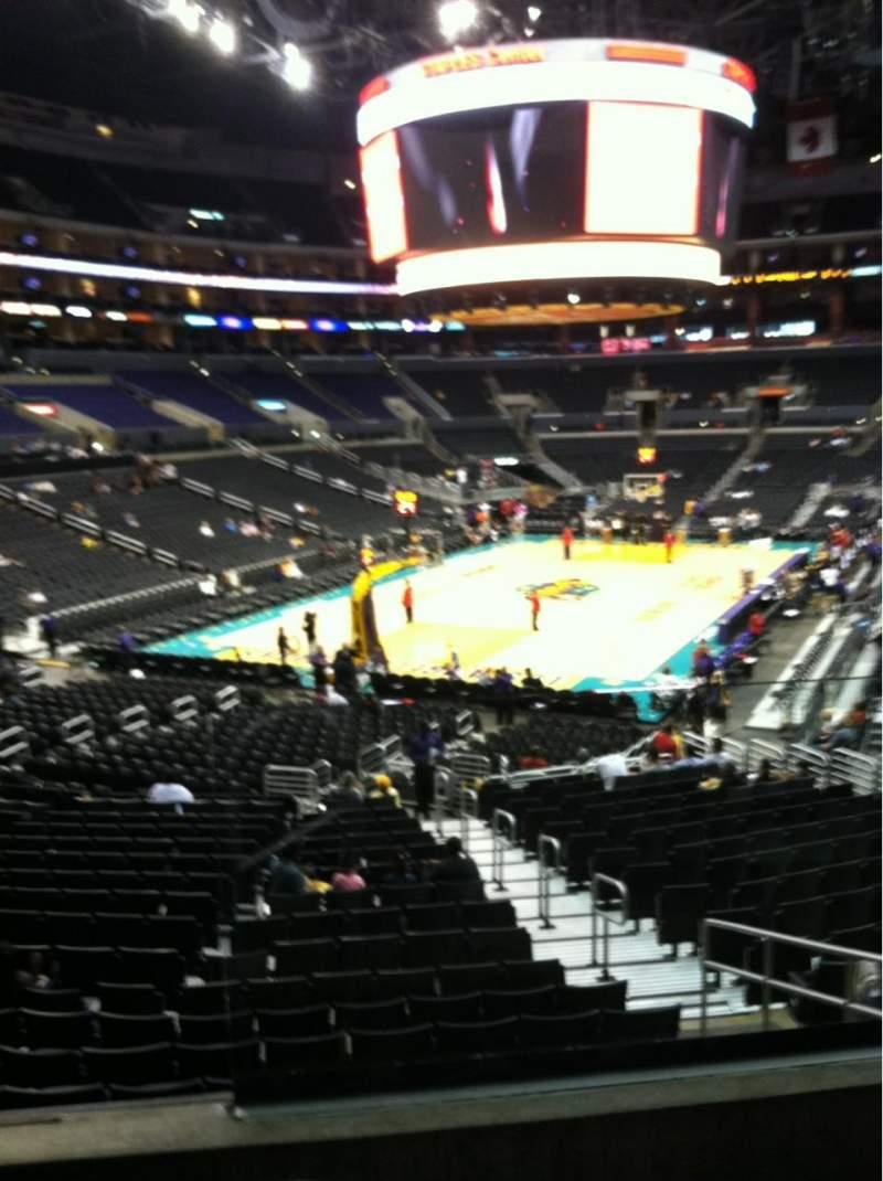 Vista sentada para Staples Center Secção 206 Fila 3