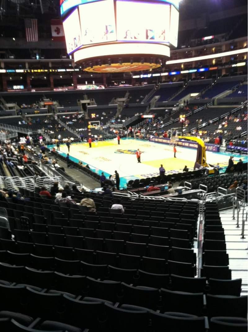 Vista sentada para Staples Center Secção 108 Fila 20 Lugar 1