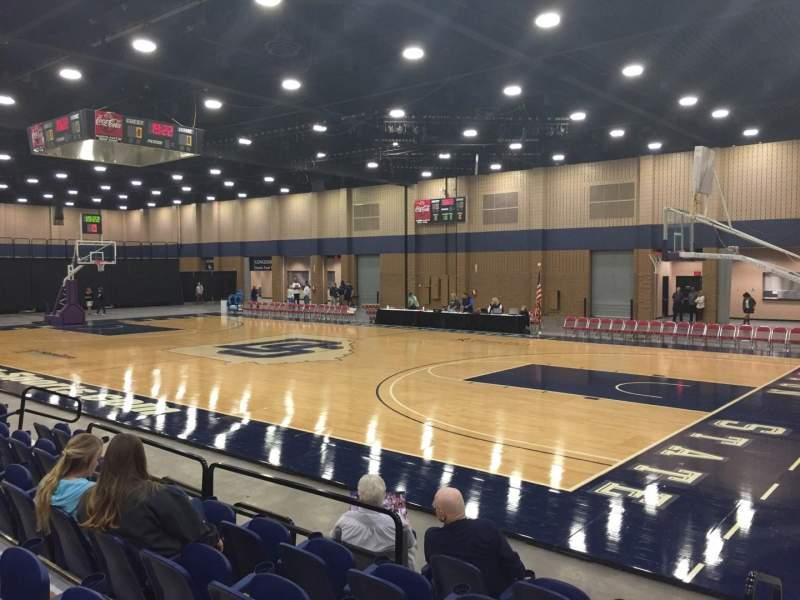 Vista sentada para Mashburn Arena Secção 4 Fila FF Lugar 6