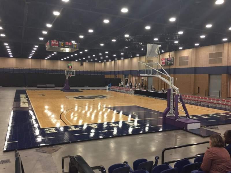 Vista sentada para Mashburn Arena Secção 3 Fila FF Lugar 1
