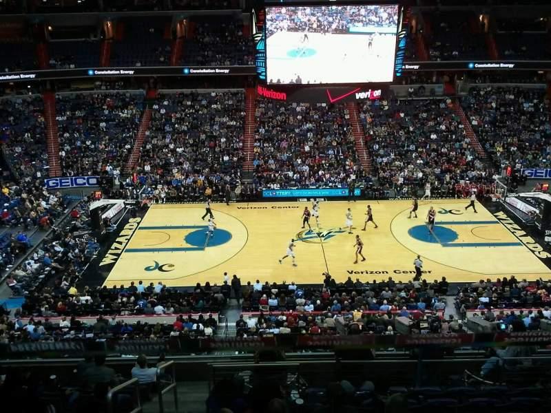 Vista sentada para Capital One Arena Secção 300