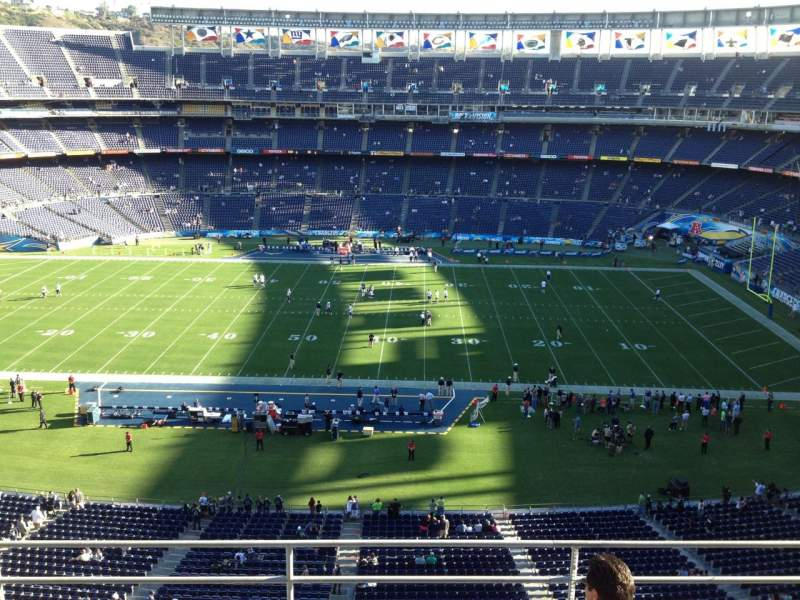 Vista sentada para San Diego Stadium Secção V3 Fila 5 Lugar 17