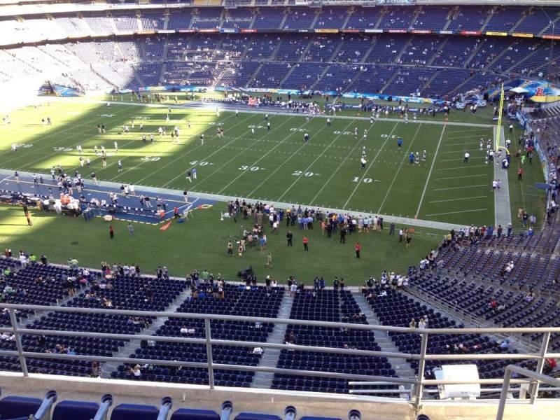 Vista sentada para San Diego Stadium Secção V10 Fila 5a Lugar 7