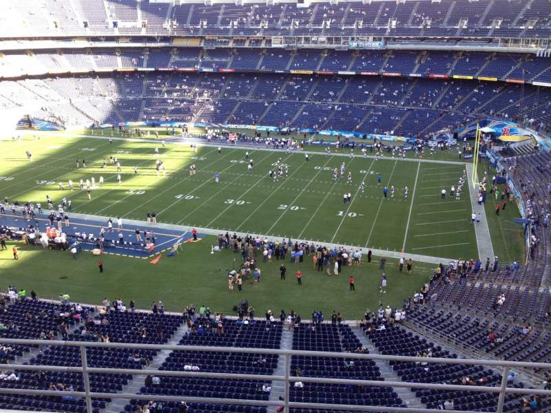 Vista sentada para San Diego Stadium Secção V10 Fila 5a Lugar 1