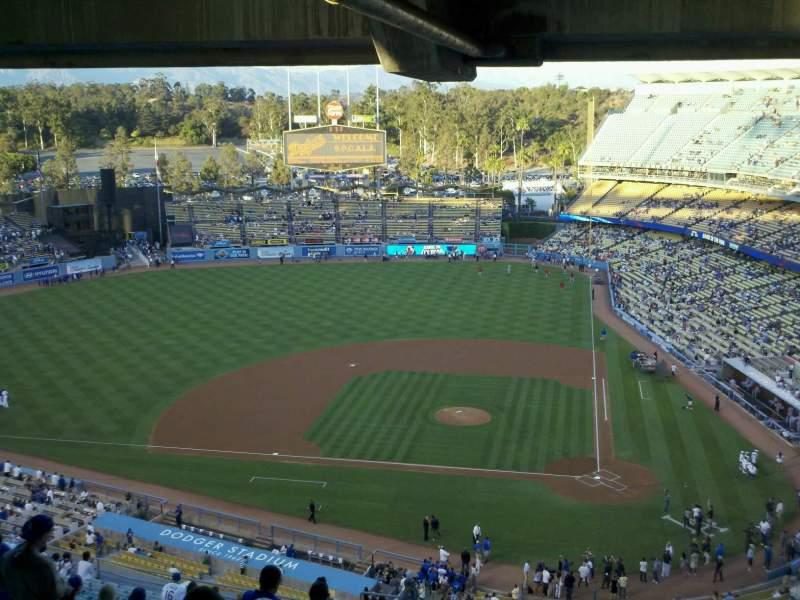 Vista sentada para Dodger Stadium Secção 23RS Fila dd Lugar 4