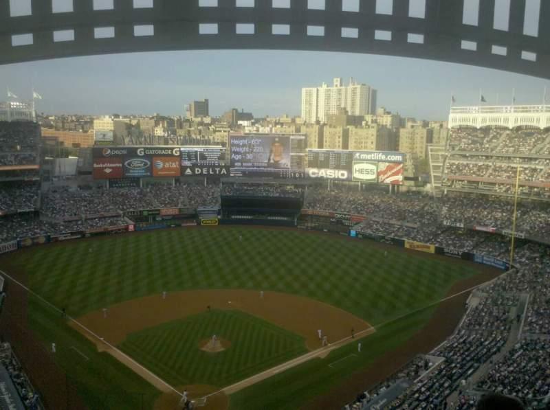 Vista sentada para Yankee Stadium Secção 420a Fila 13 Lugar 21