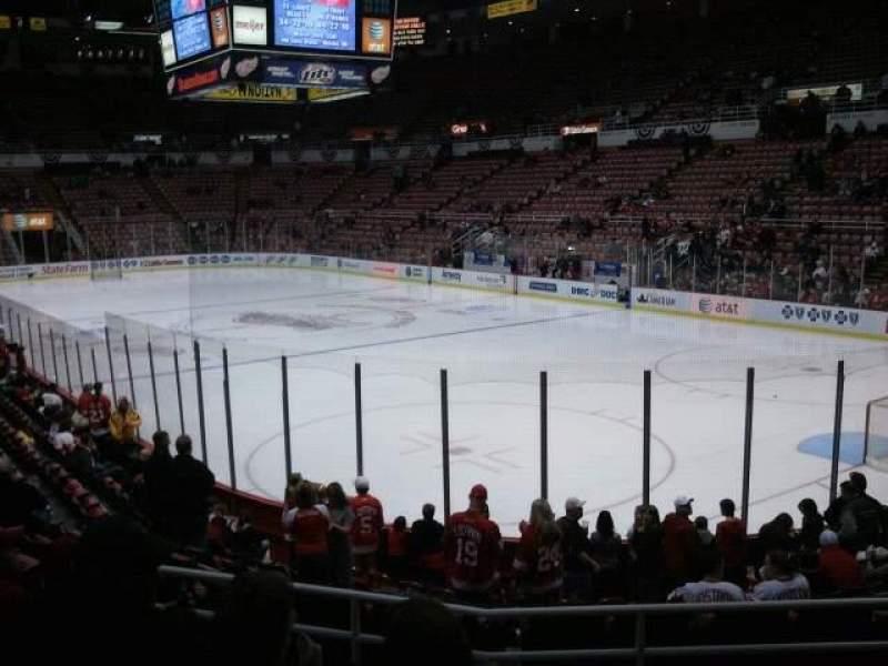 Vista sentada para Joe Louis Arena Secção 103 Fila 13 Lugar 7