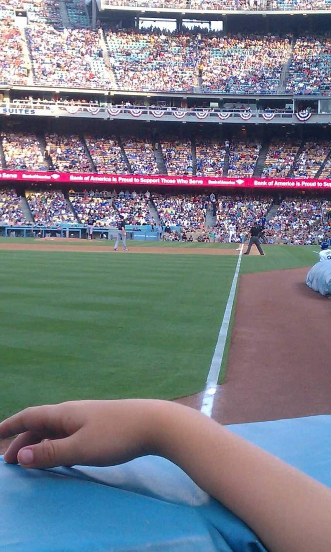 Vista sentada para Dodger Stadium Secção 49fd Fila AA Lugar 9