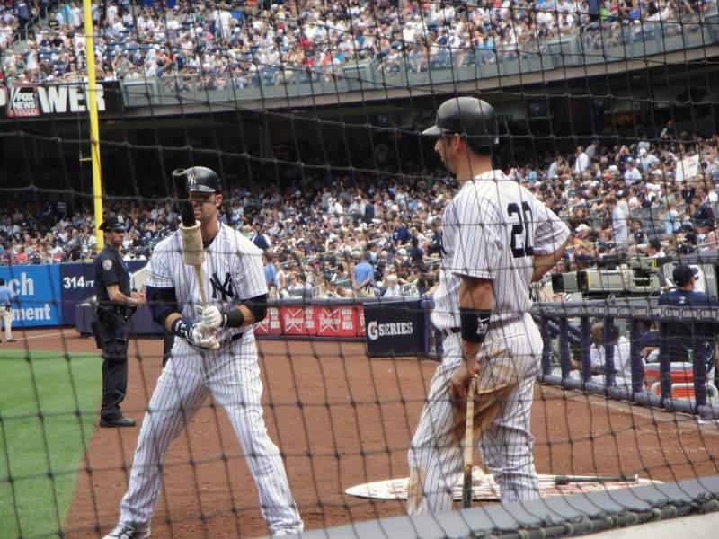 Vista sentada para Yankee Stadium Secção 020 Fila 2 Lugar 4