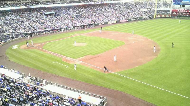 Vista sentada para Kauffman Stadium Secção 434 Fila a Lugar 8