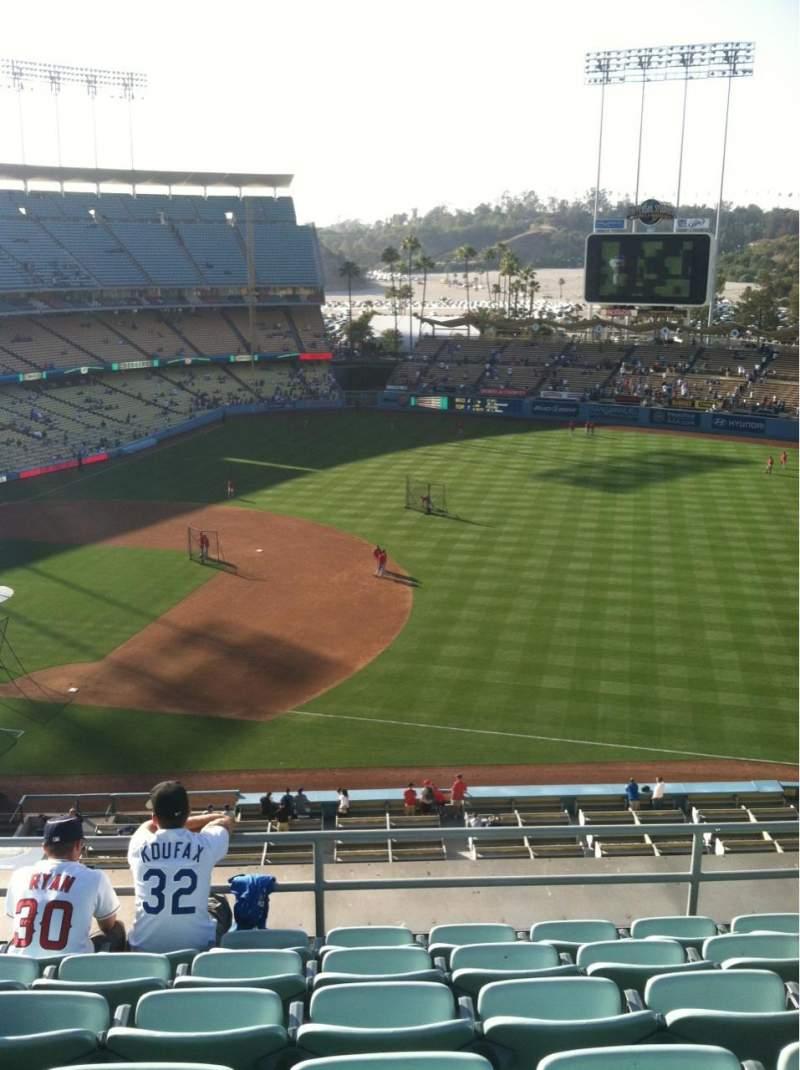 Vista sentada para Dodger Stadium Secção Reserve Fila F Lugar 8