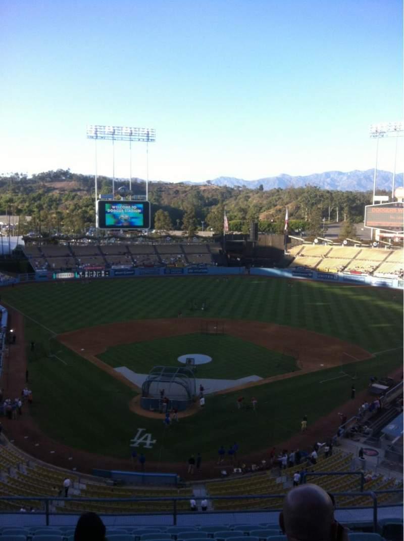 Vista sentada para Dodger Stadium Secção 4RS Fila L Lugar 17