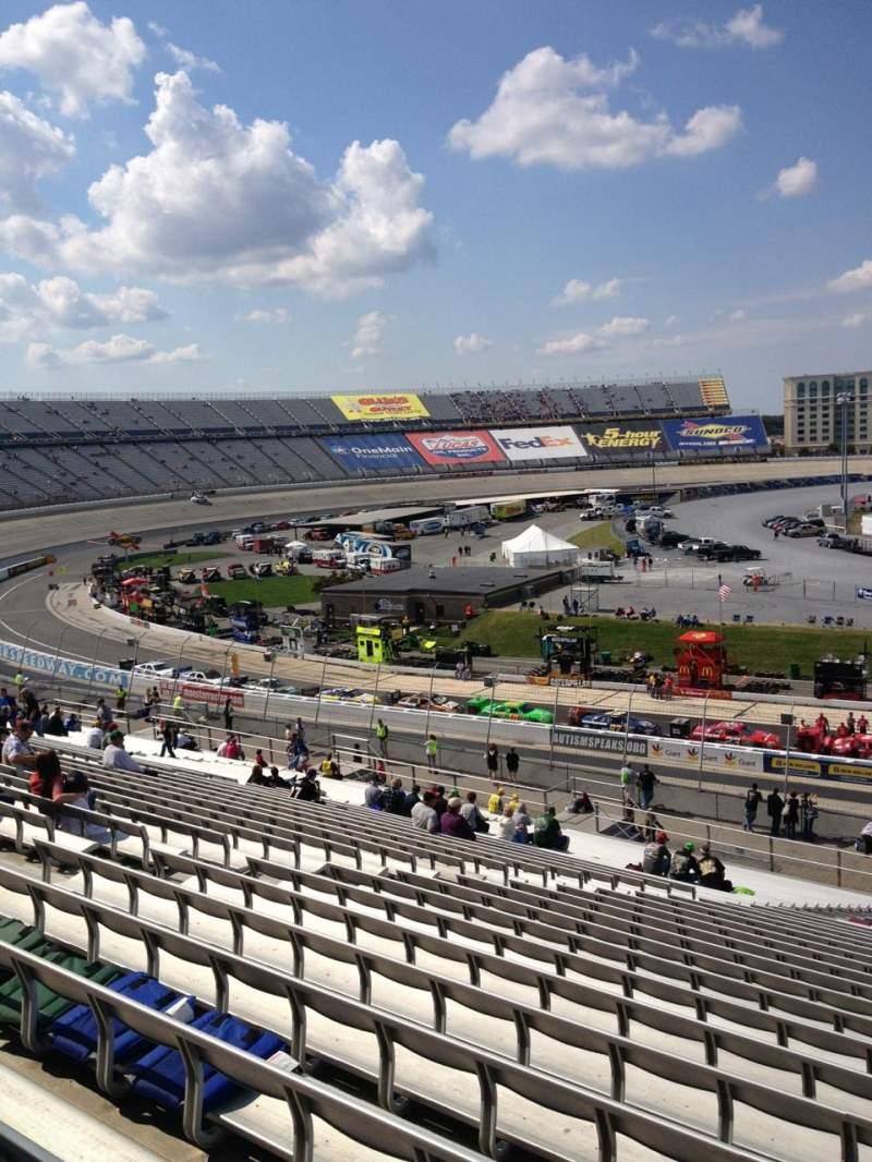 Vista sentada para Dover International Speedway Secção 107 Fila 45 Lugar 8