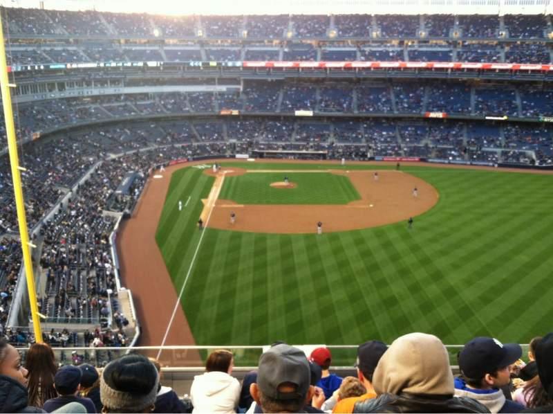 Vista sentada para Yankee Stadium Secção 306 Fila 6 Lugar 12