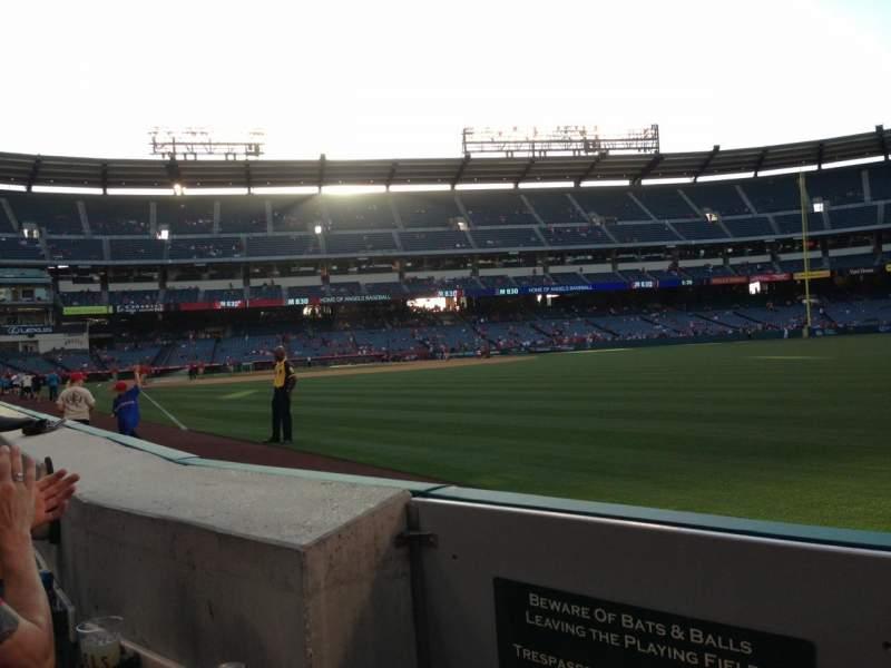 Vista sentada para Angel Stadium Secção 133 Fila A Lugar 1