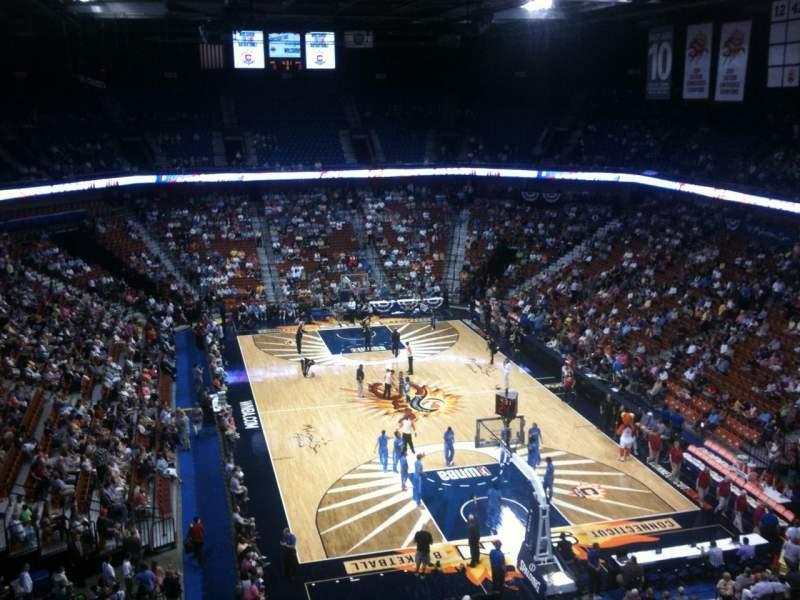 Vista sentada para Mohegan Sun Arena Secção 113 Fila K Lugar 7