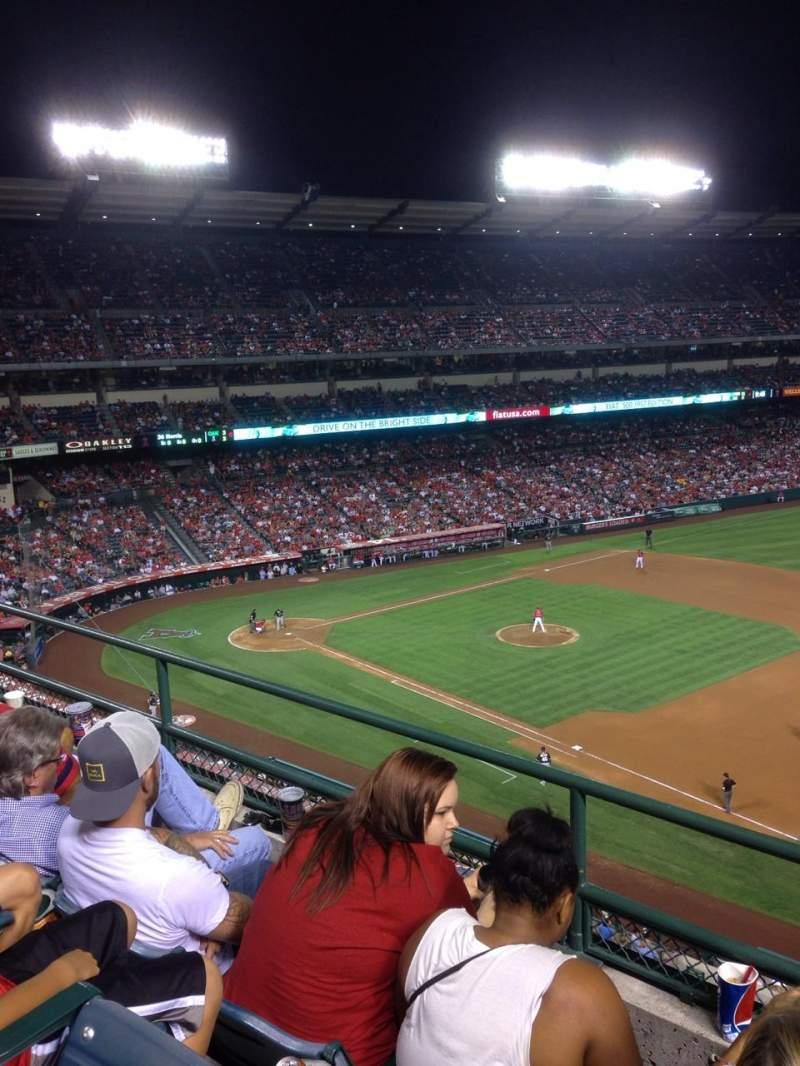 Vista sentada para Angel Stadium Secção 427 Fila C Lugar 22