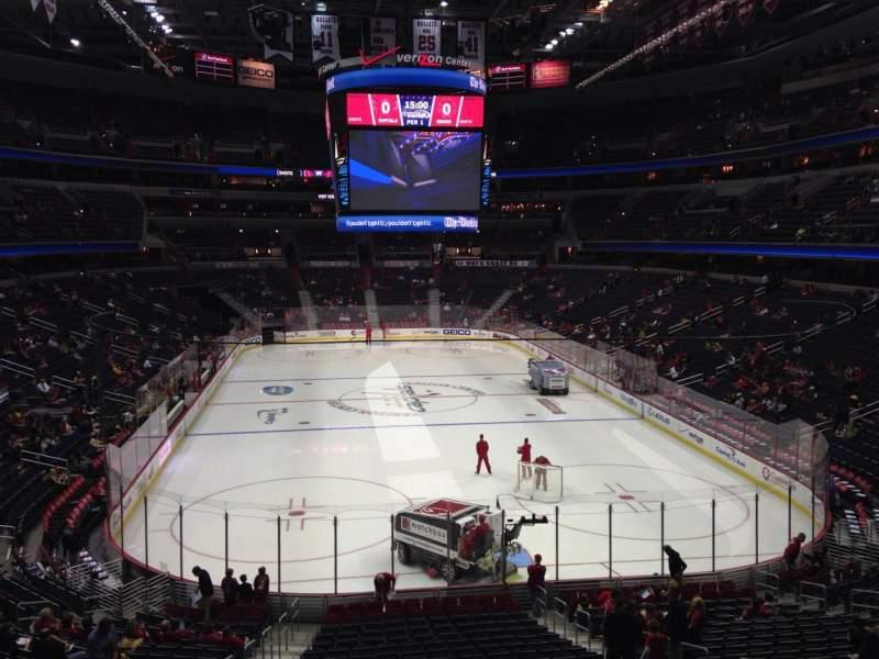 Vista sentada para Capital One Arena Secção 105 Fila X Lugar 4
