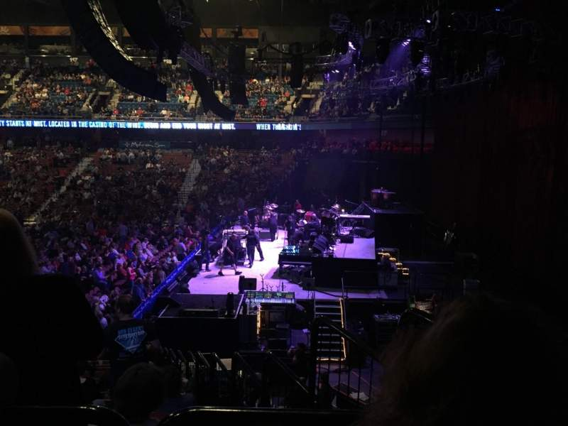 Vista sentada para Mohegan Sun Arena Secção 14 Fila T Lugar 3