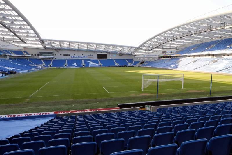 Vista sentada para American Express Community Stadium Secção S1F Fila O