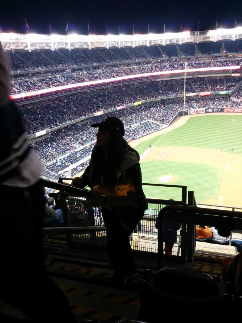 Vista sentada para Yankee Stadium Secção 415 Fila 7 Lugar 24