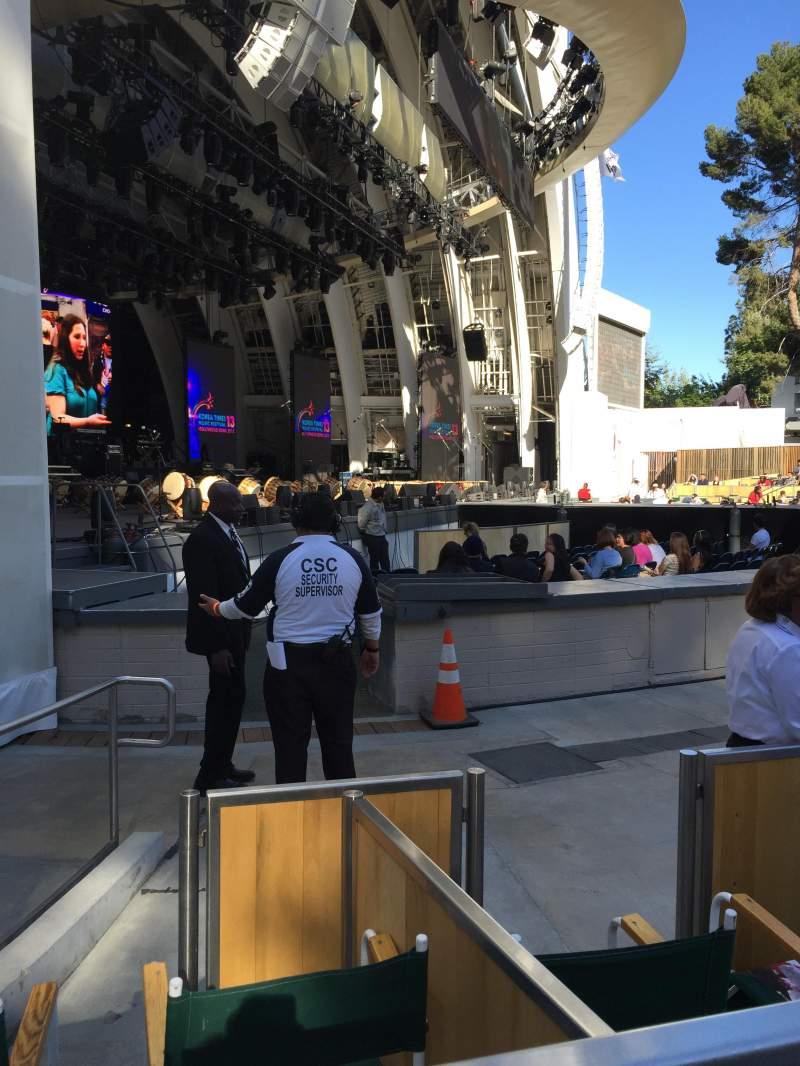 Vista sentada para Hollywood Bowl Secção Ramp E Fila 1 Lugar 7
