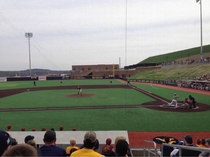 Vista sentada para Monongalia County Ballpark Secção 102B Fila J Lugar 24