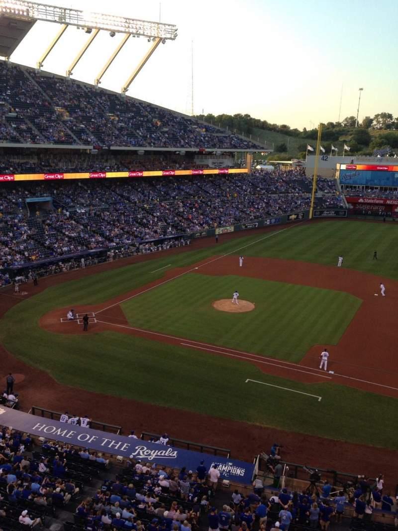 Vista sentada para Kauffman Stadium Secção 430 Fila A Lugar 1