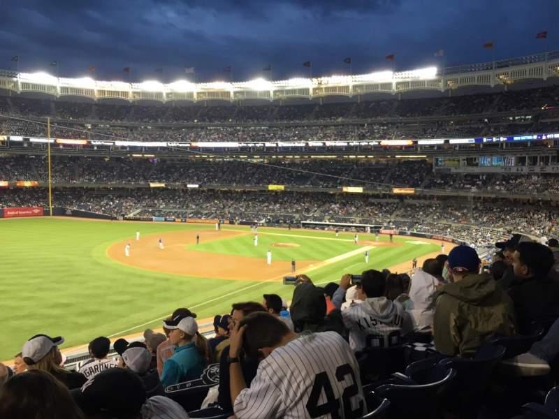Vista sentada para Yankee Stadium Secção 229 Fila 9 Lugar 13