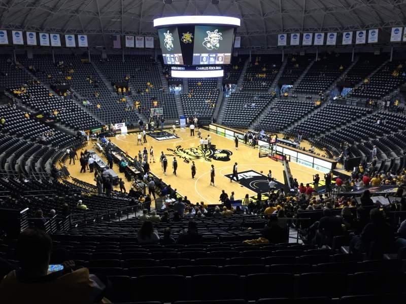 Vista sentada para Charles Koch Arena Secção 118 Fila 32 Lugar 5