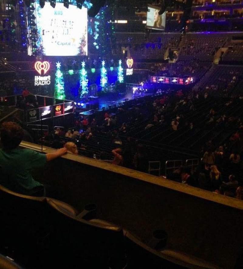 Vista sentada para Staples Center Secção pr14 Fila 3 Lugar 10