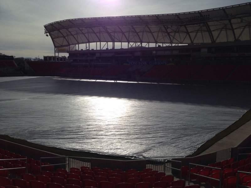 Vista sentada para Rio Tinto Stadium Secção 33 Fila p Lugar 10