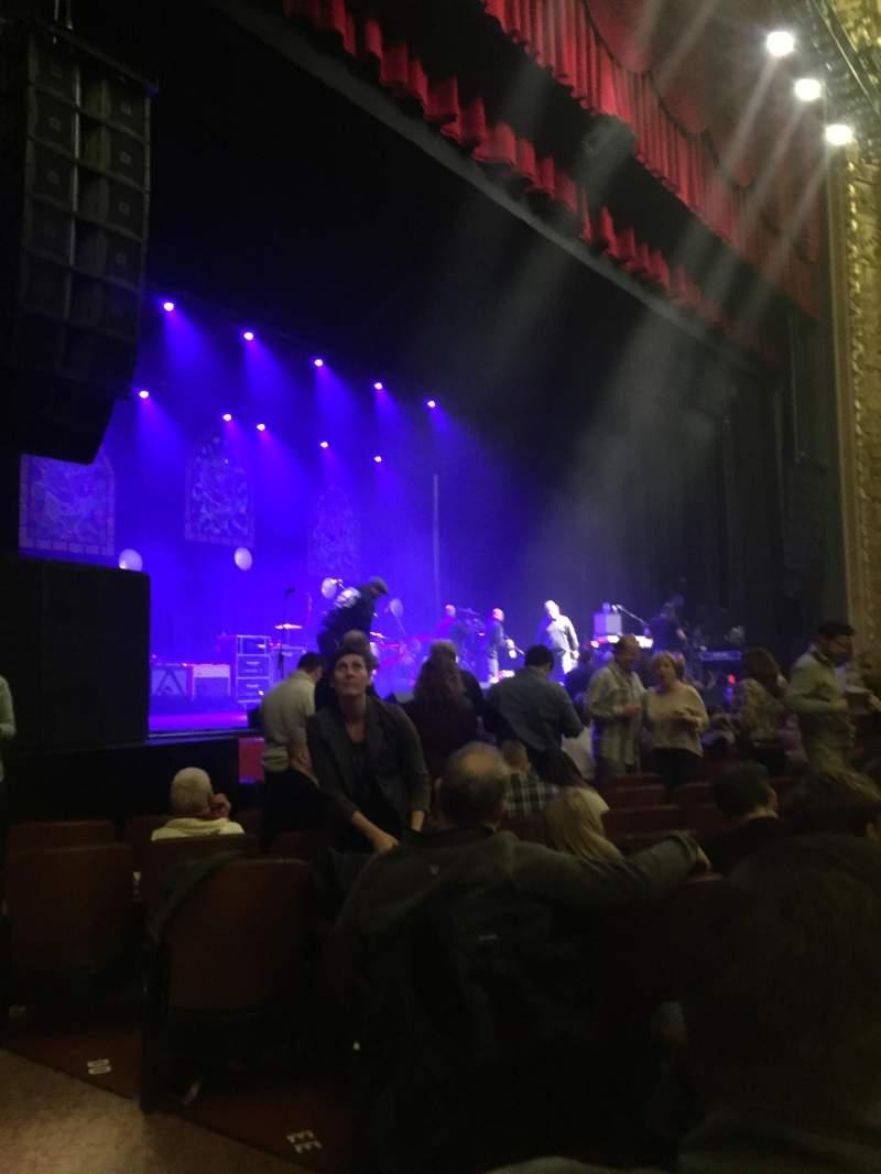 Vista sentada para Chicago Theatre Secção MNFL2L Fila JJ Lugar 207