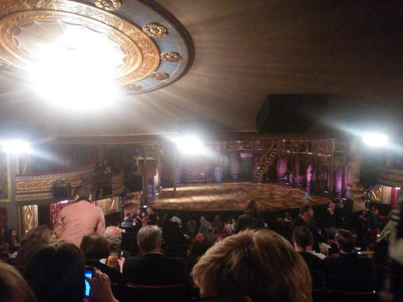Vista sentada para Richard Rodgers Theatre Secção Orchestra L Fila W Lugar 9