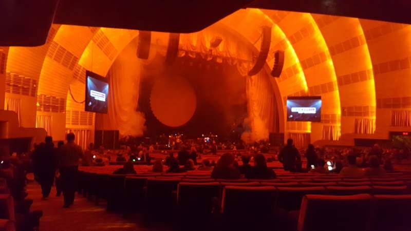 Vista sentada para Radio City Music Hall Secção Orchestra 7 Fila R Lugar 701