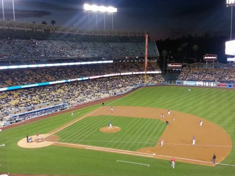 Vista sentada para Dodger Stadium Secção 20RS Fila D Lugar 5