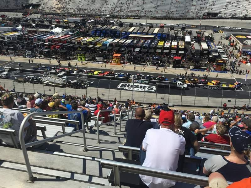 Vista sentada para Bristol Motor Speedway Secção AA Allison Towers Fila 127 Lugar 13