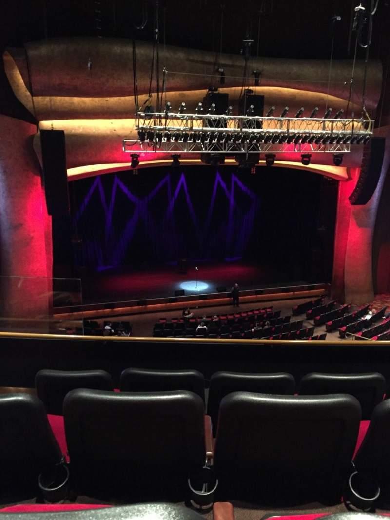 Vista sentada para Premier Theater at Foxwoods Secção Mezzanine LC Fila D Lugar 109