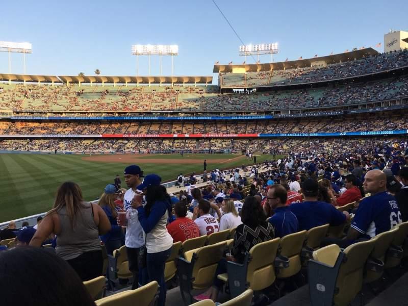 Vista sentada para Dodger Stadium Secção 49FD Fila R Lugar 3