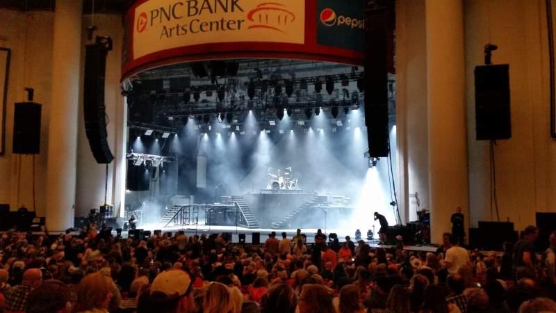 Vista sentada para PNC Bank Arts Center Secção 102 Fila 3 Lugar 5