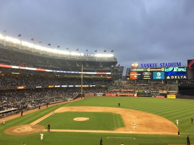 Vista sentada para Yankee Stadium Secção 216 Fila 9 Lugar 7